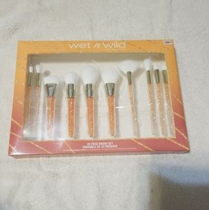 Wet n Wild 10 piece brush set